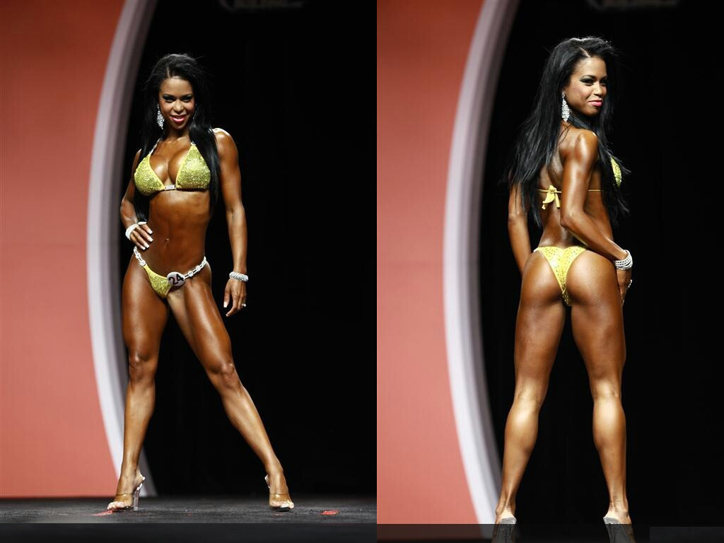 India Paulino terza classificata al Bikini Olympia 2012