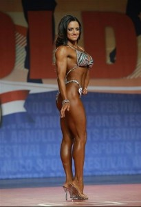 Heather Dess seconda classificata al Figure International 2014 - Arnold Classic 2014