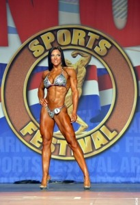 Trish Warren all'Arnold Classic 2014 : Fitness International