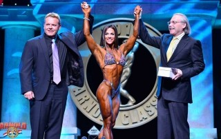 Oksana Grishina vince all' Arnold Classic 2015 : Fitness International